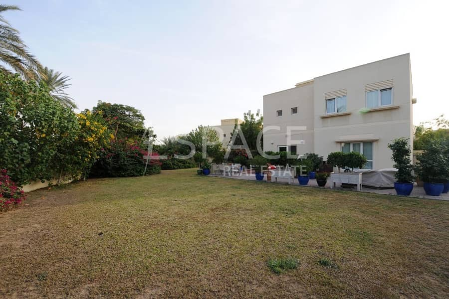 Huge Plot - Well Maintained - 15th Jan