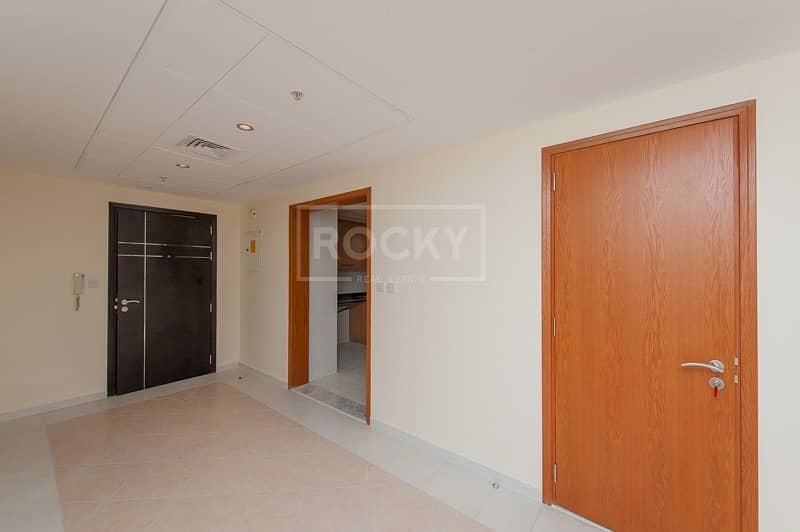 2 2 Bed Middle Unit with Sea View in 21st Century SZR