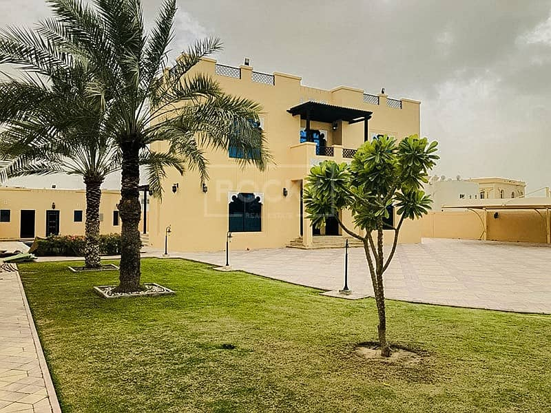 2 Full Renovated 5-Bed Villa in Al Barsha