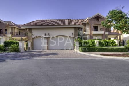 فیلا 5 غرفة نوم للبيع في جزر جميرا، دبي - Superb Upgraded Mansion with Full Lake View