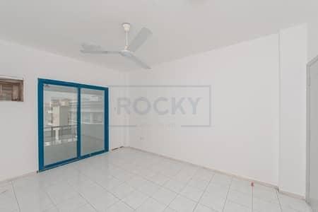 مکتب  للايجار في ديرة، دبي - Spacious Office Space  | Semi-Fitted  |  Window A/C | Deira