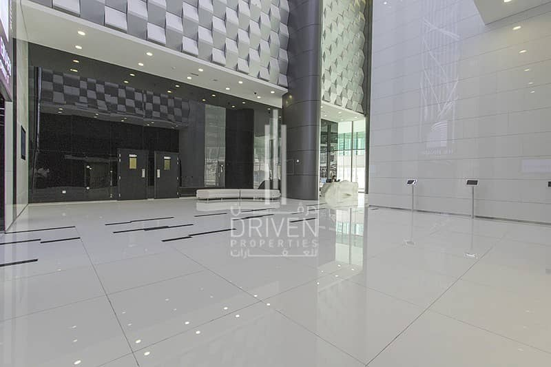 10 FULLY FITTED RETAIL SPACE IN BUSINESS BAY
