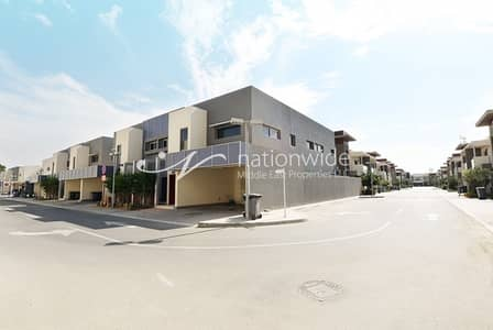 4 Bedroom Villa for Rent in Eastern Road, Abu Dhabi - Modern Finishes 4 BR Villa w/ Maid Room!