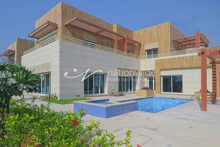 5 Bedroom Villa for Sale in The Marina, Abu Dhabi - Sophisticated 5 BR Villa w/ Private Pool