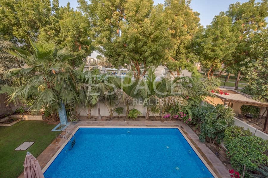 Exclusive | Single Row | Private Pool