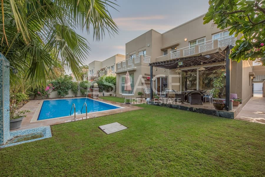 2 Exclusive | Single Row | Private Pool