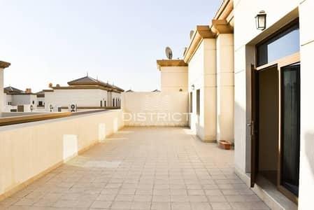 Vacant 2BR Roof Floor Apartment in Al Maqtaa