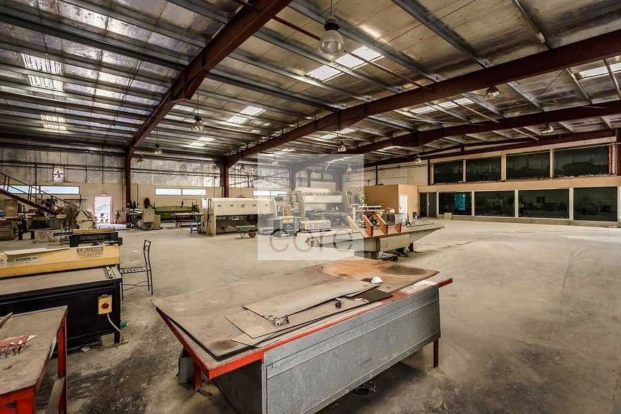 2 Spacious Warehouse with Office   DIP 1