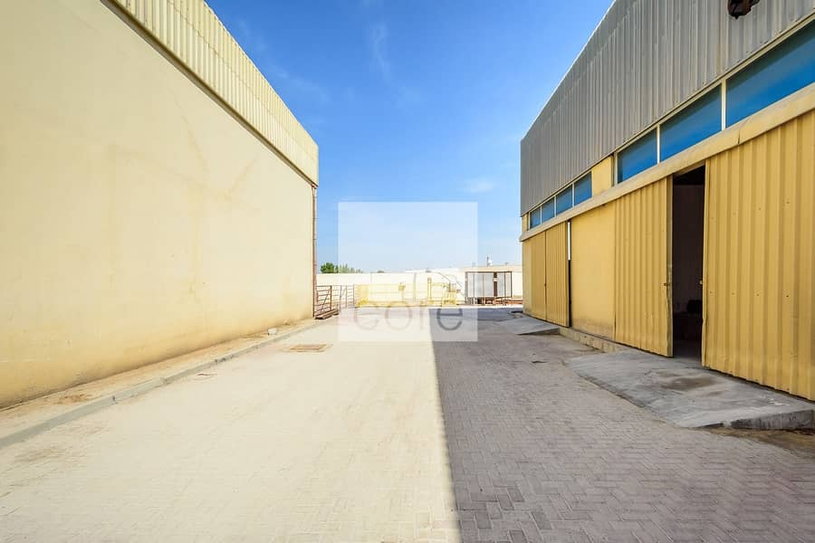 10 Spacious Warehouse with Office   DIP 1