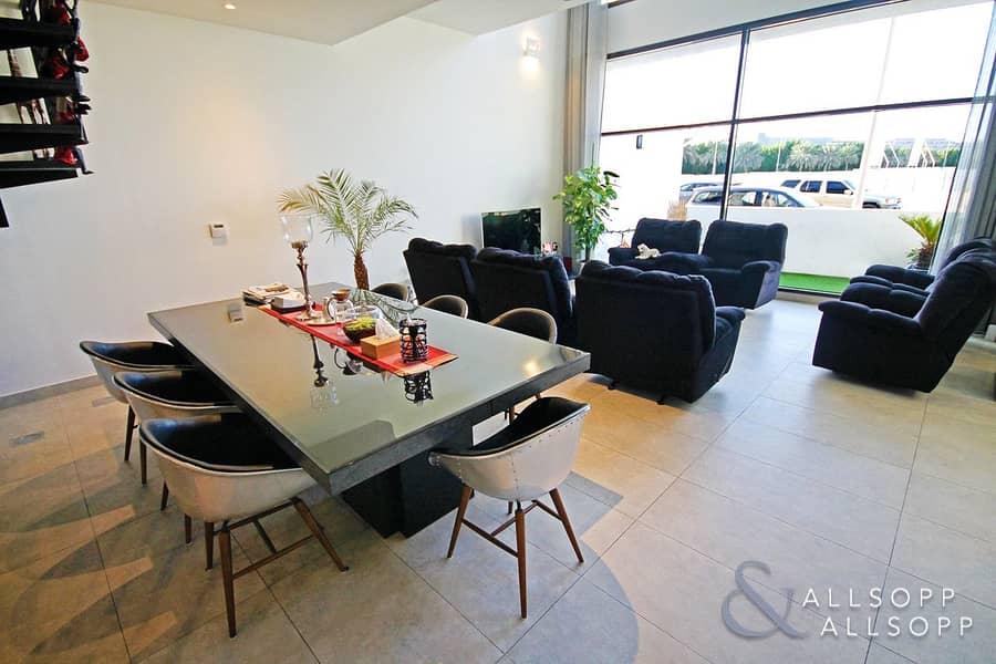 Best Quality In JVC | Stunning Townhouse