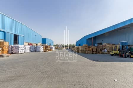Warehouse for Rent in Dubai Industrial Park, Dubai - Huge Warehouse l Al Quoz Industrial Area