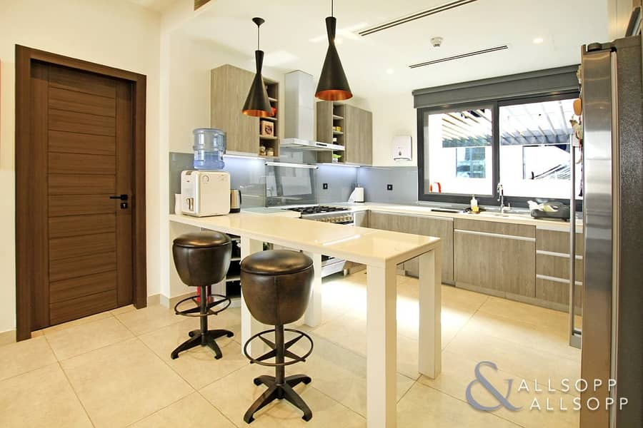 2 Best Quality In JVC | Stunning Townhouse