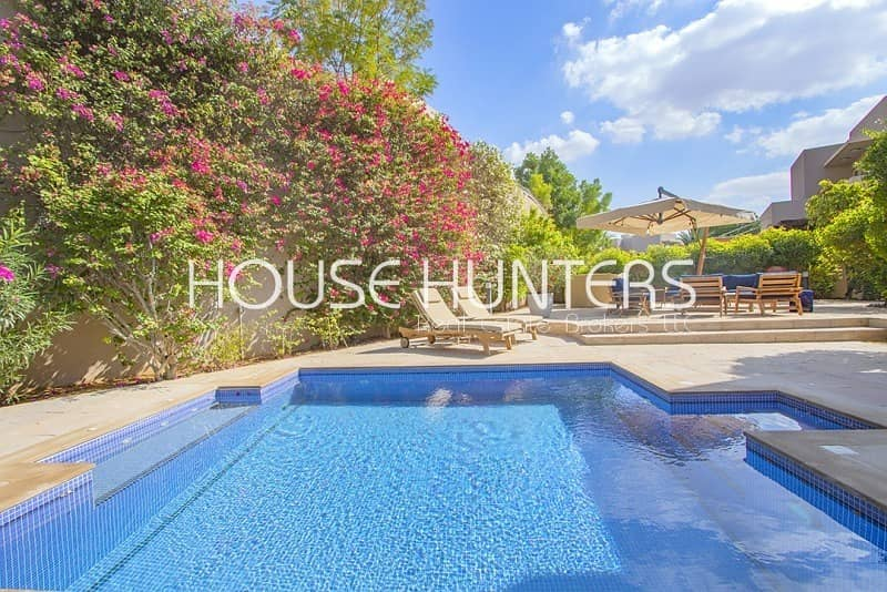 Stunning 4 bed| Upgraded| Private pool |
