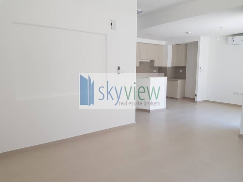 2 Ready Townhouse Living In Best Price