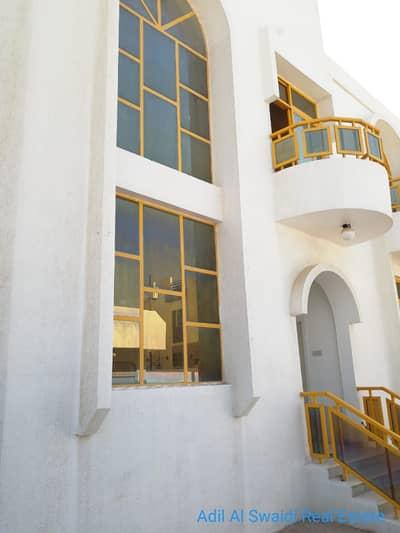 3 Bedroom Villa for Rent in Al Hazannah, Sharjah - 3 BHK D/S VIlla with master room, huge majlis, 2 living dining, maid room, split a/c in Hazana area
