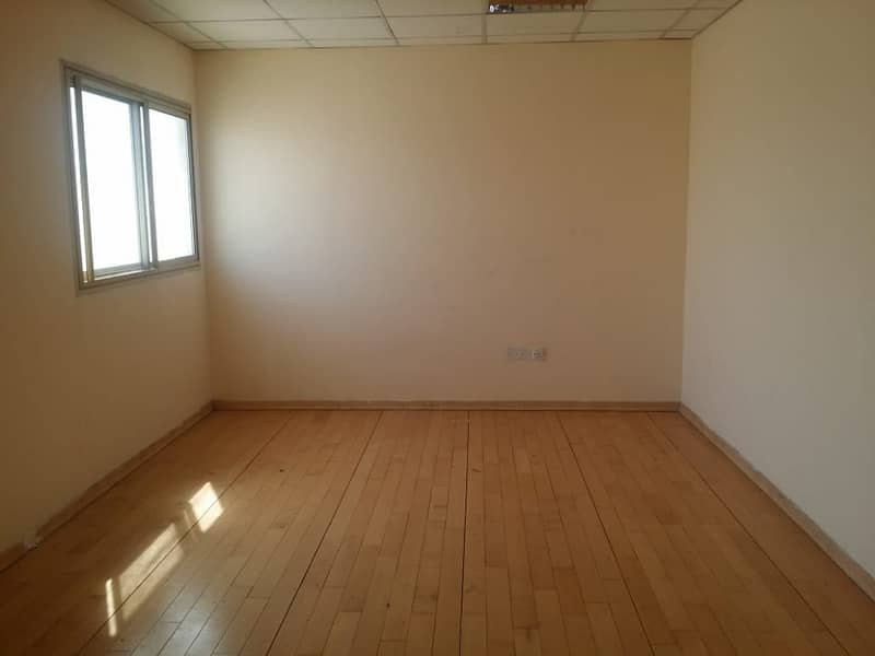 Spacious gym space available in Al Qulaya