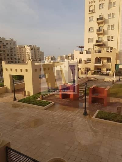 1 Bedroom Flat for Rent in Remraam, Dubai - AL RAMTH NICE OPEN KITCHEN 1 BEDROOM WITH BALCONY