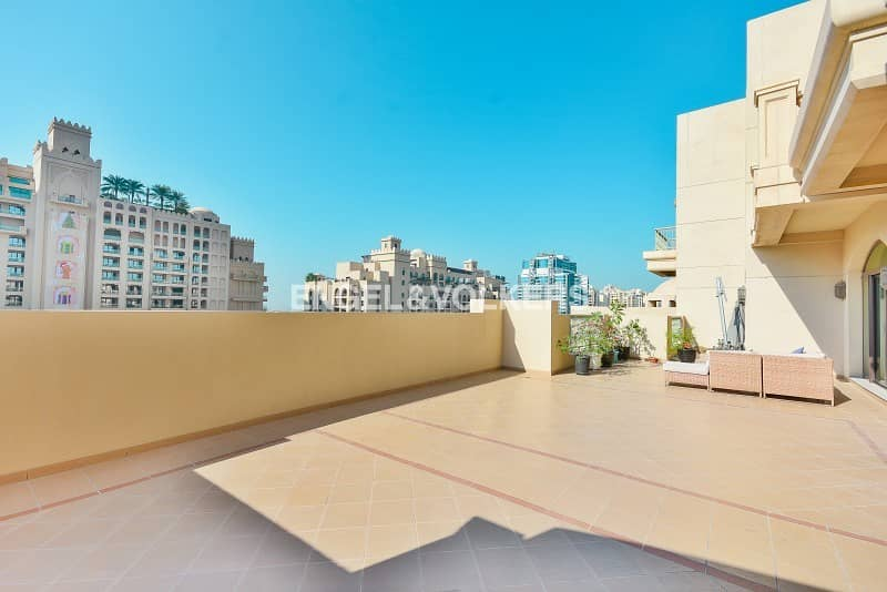 10 Duplex I Sea View I New Mall I Negotiable