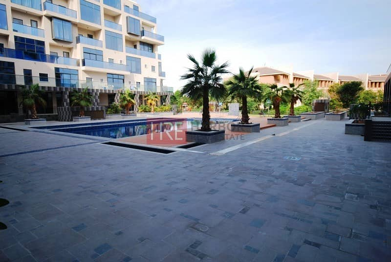 Large size |Pool facing 2BHK+maid's room