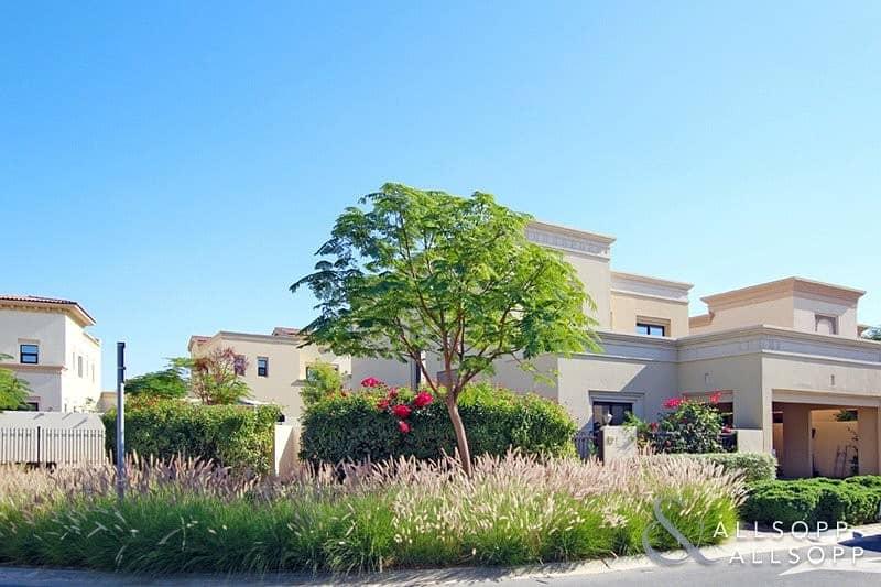 10 Vacant | Corner Plot | Landscaped Garden