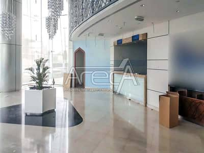 Showroom for Rent in Al Khalidiyah, Abu Dhabi - Fully Fitted Showroom, 5 Parkings! Strategically Located in Al Khalidiya