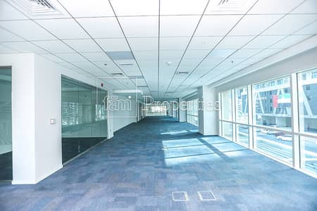 Office for Sale in Business Bay, Dubai - Fitted Full Floor|37 Parking|Bay Square