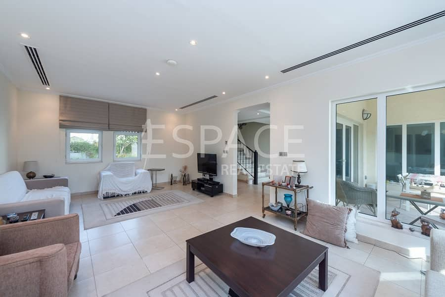 2 Close to Park | Great Condition | Vacant