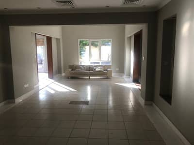 5 Bedroom Villa for Rent in The Meadows, Dubai - Great Deal Upgraded 5bed Type 11 Villa in Meadows 4