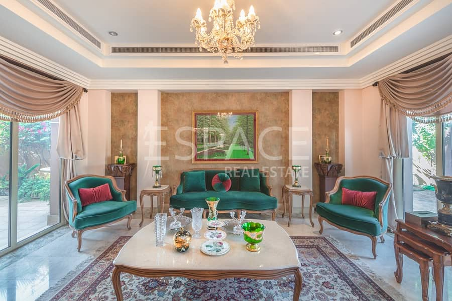 2 Stunning 6 Bedroom Villa with Lake View
