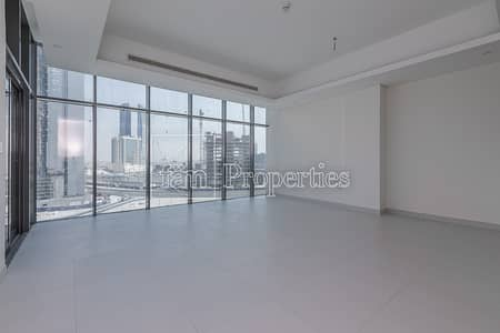 2 Bedroom Flat for Rent in Downtown Dubai, Dubai - Brand New| Large 2BR+Maid| 2mins to Mall