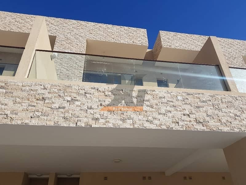 10 4BHK Corner Villa In JVC With Private lift