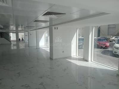 Showroom for Rent in Al Khalidiyah, Abu Dhabi - Huge Showroom in Istiqlal Street Available For Rent