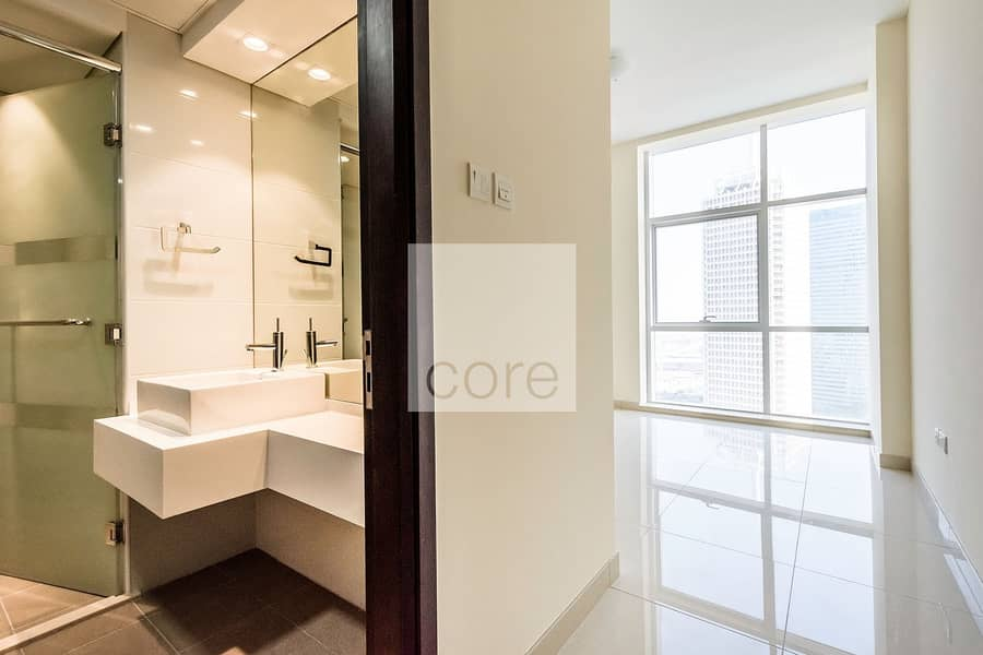 2 2BR  Sea view Corner Unit 13mth Contract