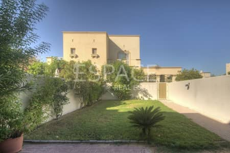 2 Bedroom Villa for Sale in The Springs, Dubai - Close to Amenities - A Well Kept Villa