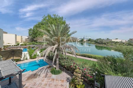 فیلا 5 غرفة نوم للبيع في السهول، دبي - Fully Upgraded | Private Pool | Lake View