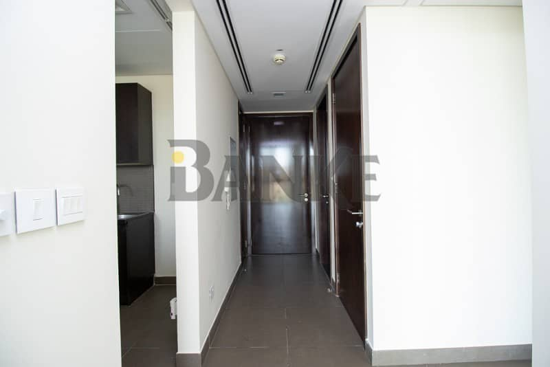 2 Modern one bedrooms | Value deal with Great Maintenance