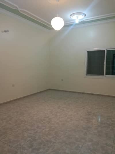 5 Bedroom Flat for Rent in Shakhbout City (Khalifa City B), Abu Dhabi - 5 room apartment and a board and lounge for rent in Shakhbut city. First floor with balcony