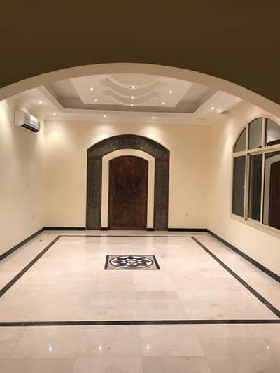 5 Bedroom Villa for Sale in Al Jurf, Ajman - Large luxury villa in the al jurf close to the Chinese market