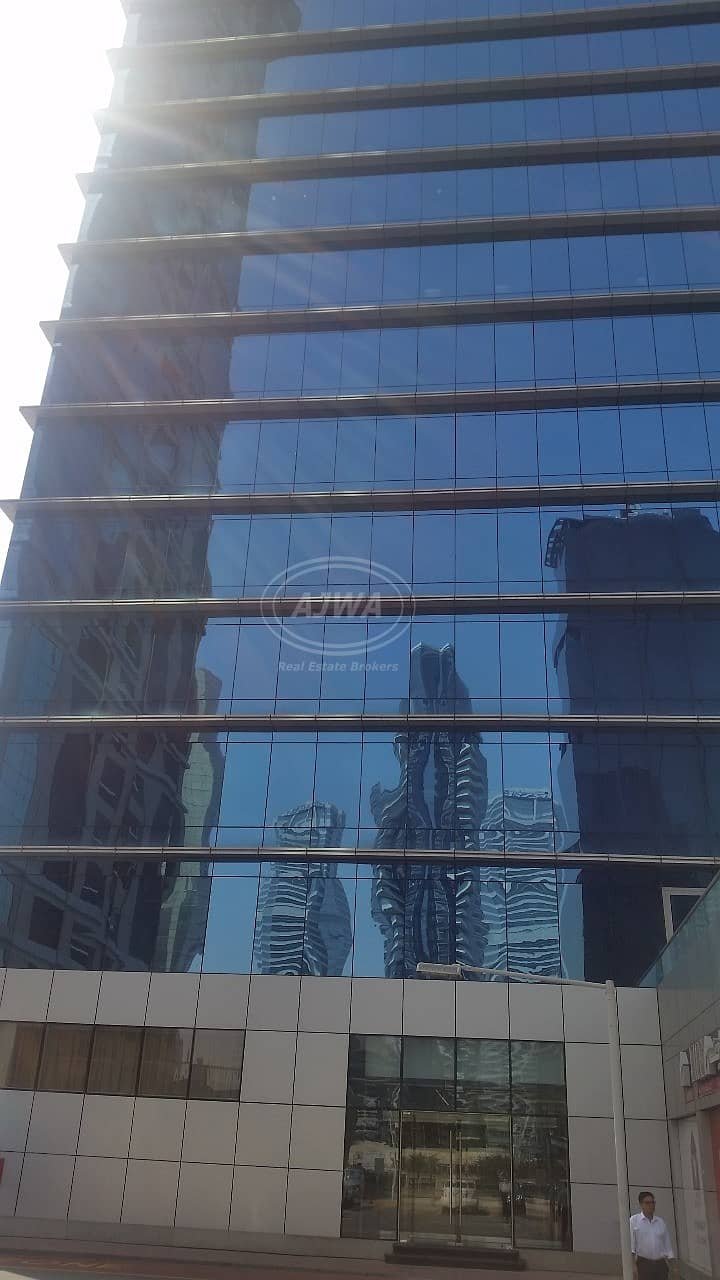 10 Saba Tower - Furnished office with full lake view