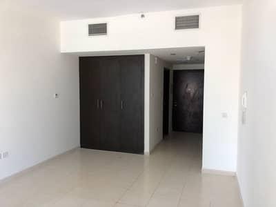 Studio for Rent in Dubai Sports City, Dubai - Studio  in Royal Residence 1 for rent