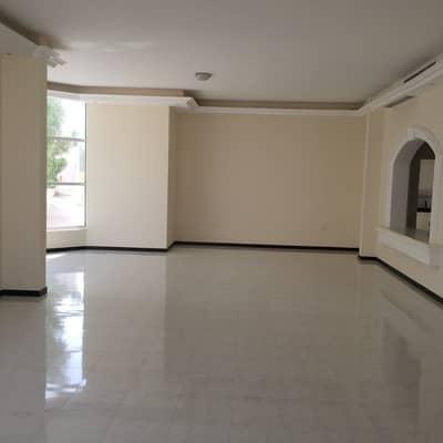 4 Bedroom Villa for Rent in Al Azra, Sharjah - Commercial or Residential four bedroom villa with huge garden in Al Azra