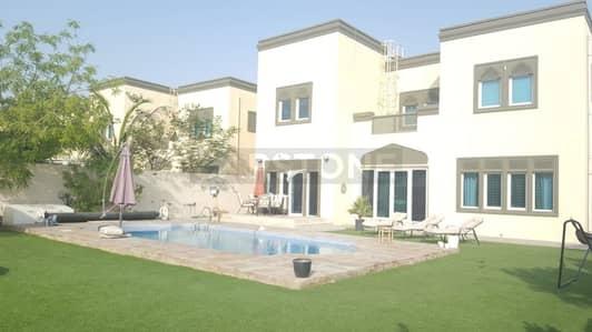 3 Bedroom Villa for Rent in Jumeirah Park, Dubai - Swimming Pool   District 5   Corner Villa