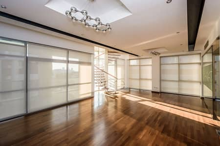 مکتب  للايجار في الصفوح، دبي - Fitted and furnished office Design House