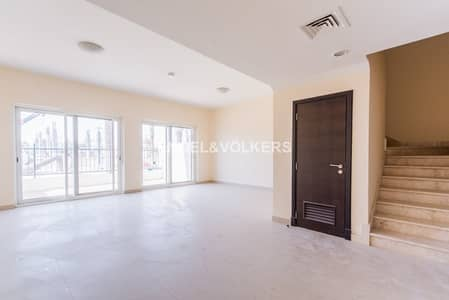 Vacant Exclusive Single Row| Souq Facing