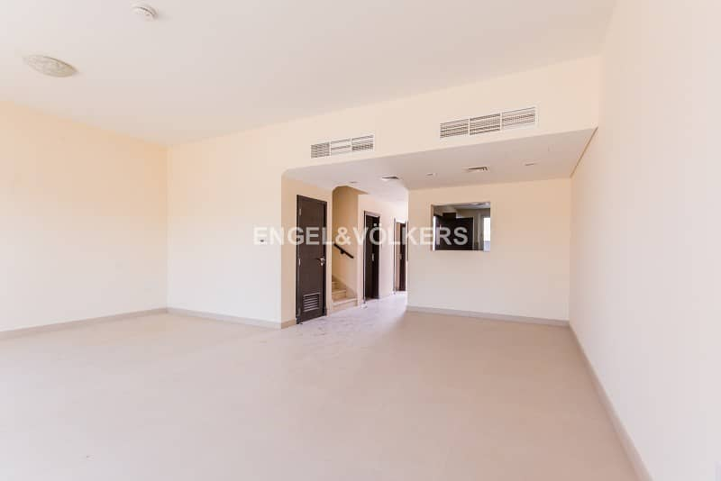 14 Vacant Exclusive Single Row| Souq Facing