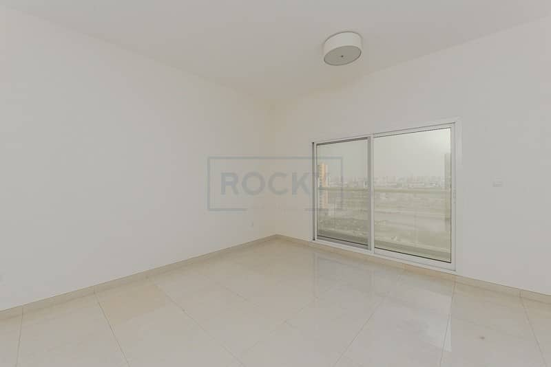 2 1 Bed | Swimming Pool & Gym |Central A/C | Al Mamzar