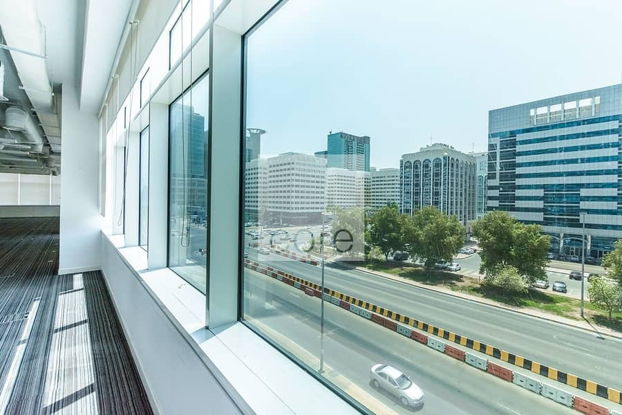 10 High quality fitted office in Tourist Club
