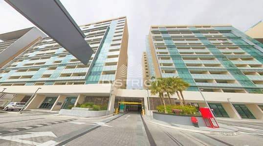 4 Bedroom Apartment for Sale in Al Raha Beach, Abu Dhabi - Sea View 4 BR Apartment in Al Raha Beach