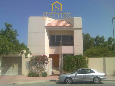 3 Bedroom Villa for Rent in Al Badaa, Dubai - 3  bedroom villa with big Garden