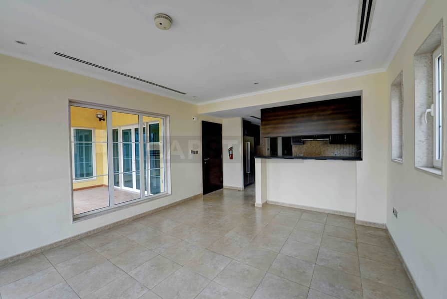 2 Legacy 3 BR | Vacant | Cheapest | District 5